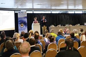 Forum mit Gebärdendolmetscher